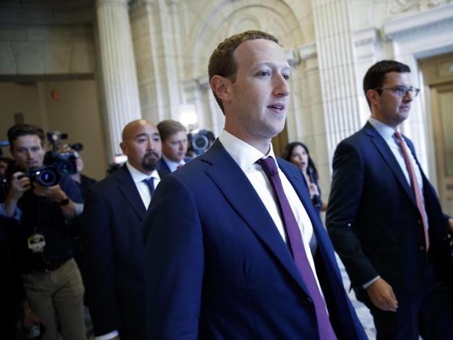 Zuckerberg: spunta l'audio in cui attacca la Warren