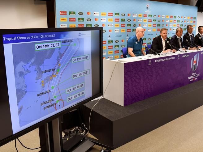 Tifone Hagibis minaccia Giappone, saltano Mondiali di rugby: gli aggiornamenti