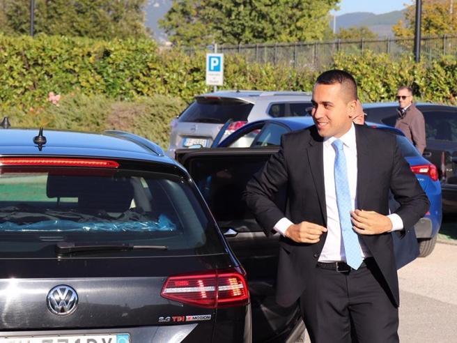 Italia5Stelle a Napoli, Ferrillo si presenta con il risarcimento danni a Grillo