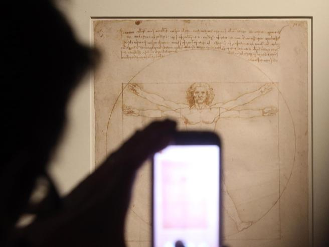 Evitata una brutta figura. L'Uomo Vitruviano di Leonardo andrà in Francia