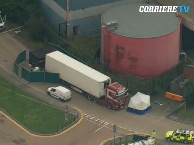 Gb: trovati 39 corpi in un container, camion proveniva dalla Bulgaria