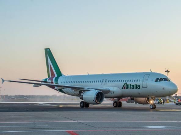 Alitalia, svolta nella trattative: Lufthansa pronta ad investire fino a 200 milioni
