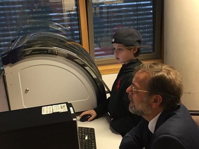 Un bambino di 9 anni si laurea in ingegneria elettronica