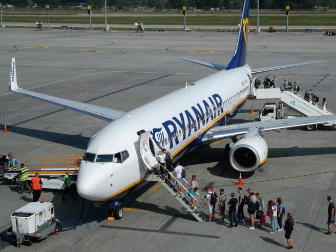 Ryanair condannata perché fa pagare bagaglio a mano