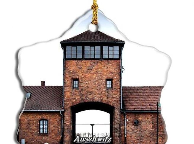 Amazon ritira dalle vendita decorazioni natalizie e apribottiglie a tema