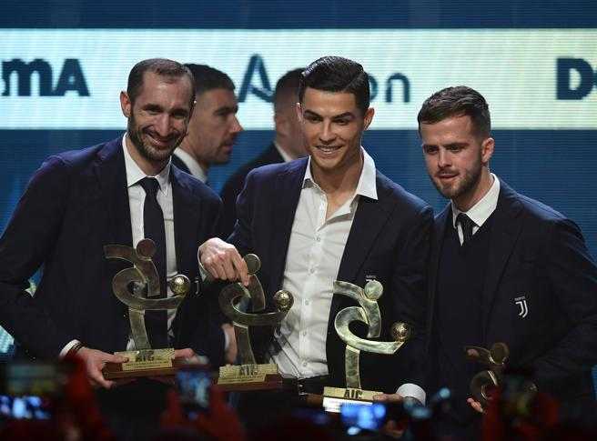 Il Pallone d'Oro va a Messi, Chiellini attacca il Real Madrid