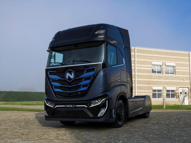 Iveco lancia Nikola, il primo camion elettrico made in Europe