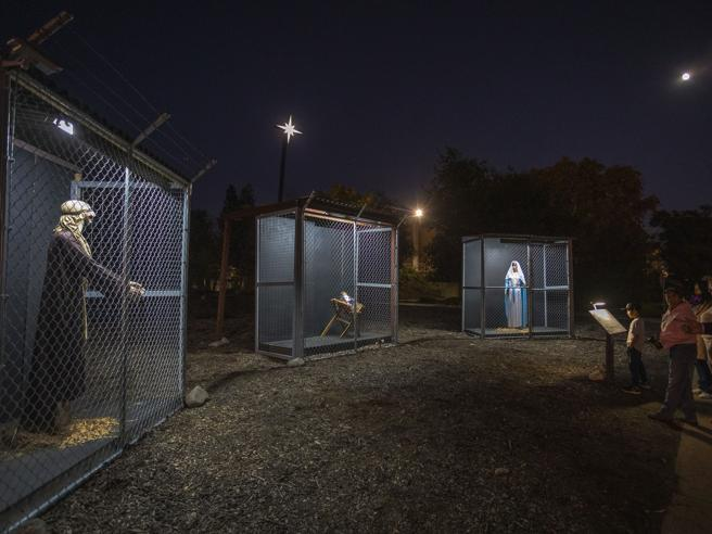 Un presepe in gabbia