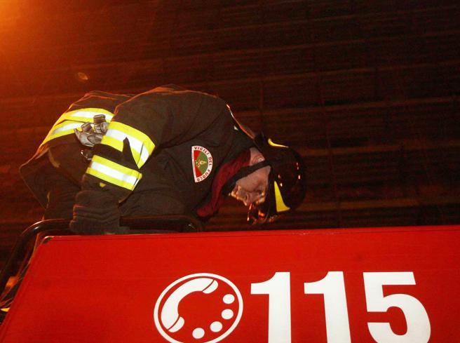 Maltempo, a Lauria crolla tetto di una palestra: un ferito grave