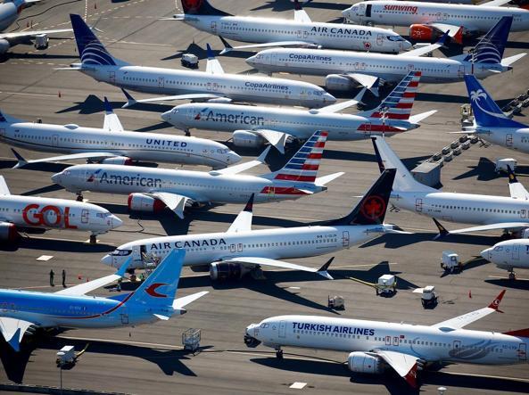 Boeing, Ceo Dennis Muilenburg rassegna dimissioni
