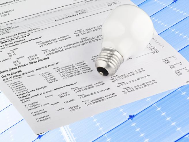 Tariffe: da 1 gennaio elettricità -5,4% gas +0,8%