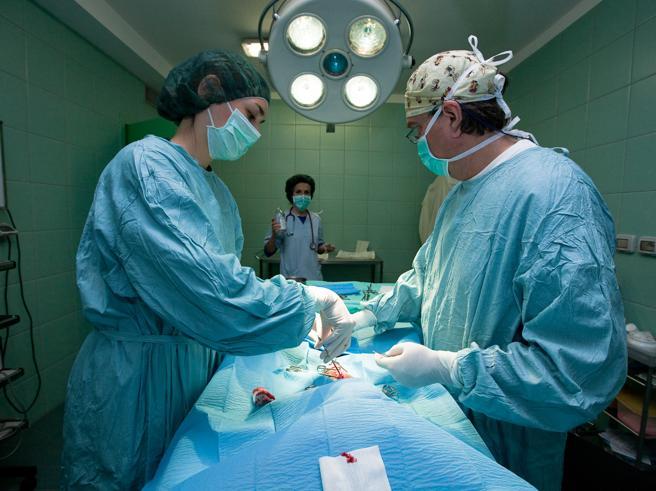 Paziente prende fuoco in sala operatoria: morta dopo una settimana di agonia