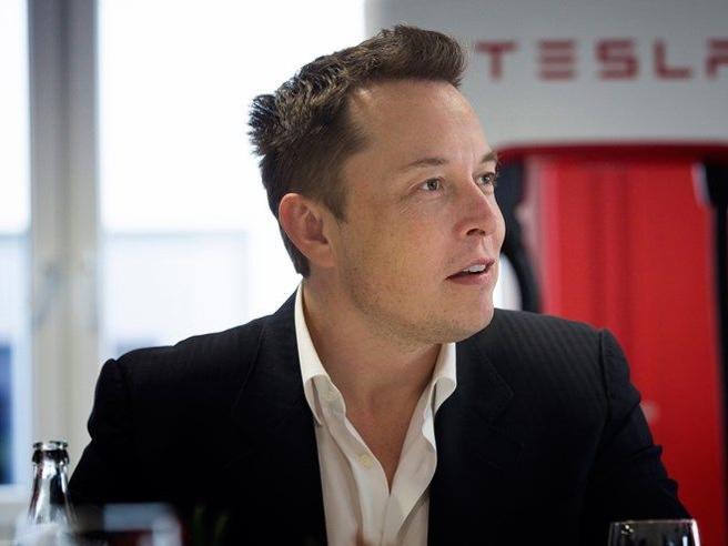 Tesla presenterà un'auto elettrica con design made in China