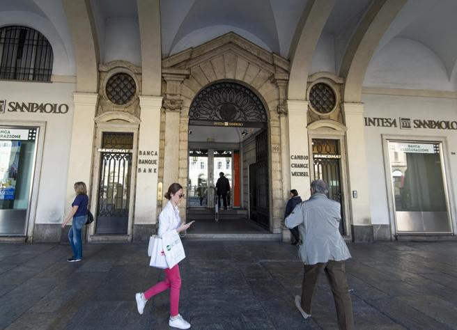 Intesa Sanpaolo, Messina: