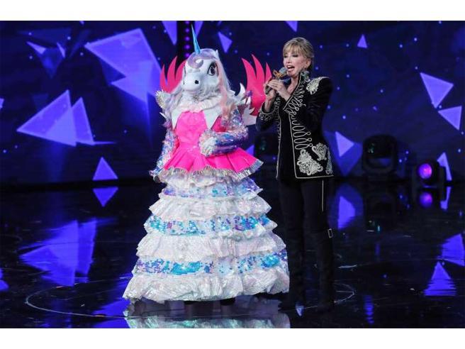 Ascolti tv 17 gennaio 2020: Gf Vip sfidava Cantante Mascherato