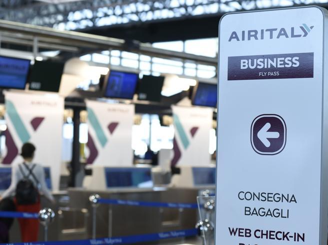 Air Italy, rischio licenziamento (e niente cassa integrazione) per 1.450 addetti: De Micheli in campo