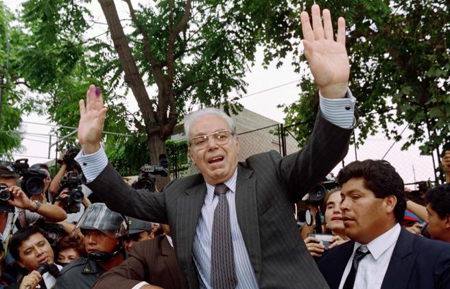 Perez de Cuellar è morto, fu segretario generale dell'Onu