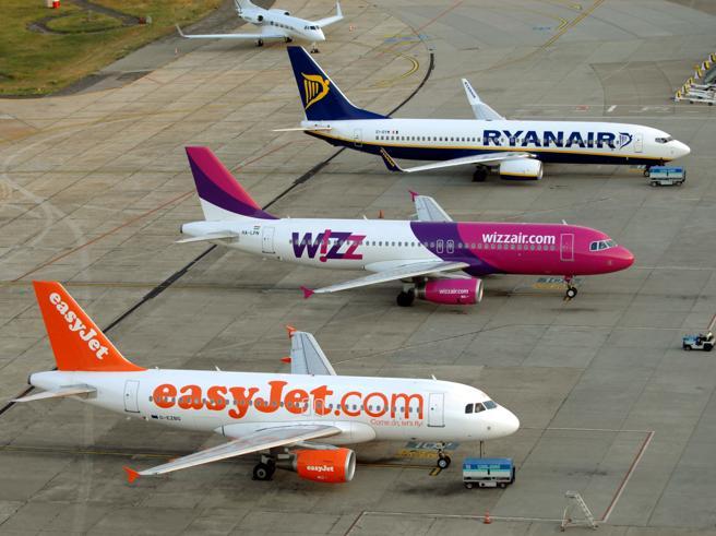 Ryanair sospende tutti i voli fino all'8 aprile
