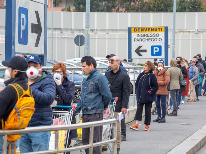 Coronavirus i nuovi orari dei supermercati per sabato e domenica