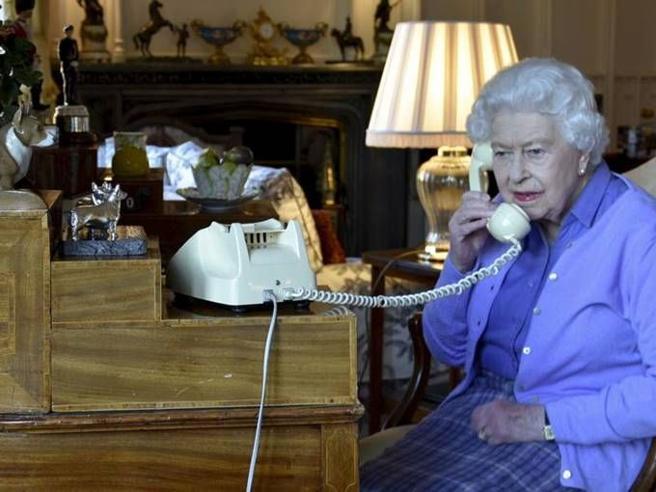 Coronavirus, la Regina Elisabetta terrà un discorso alla nazione dopo 30 anni