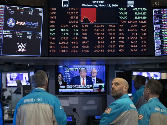 Borsa, Fca traina Milano, +2%.