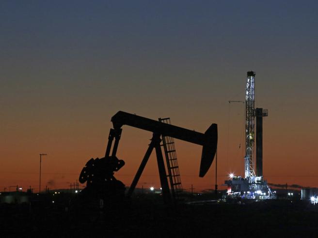 Guerra del greggio: l'Opec si accorda sul taglio della produzione