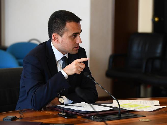 Vacanze 2020, Di Maio: 'L'Italia riparte. Inammissibile l'utilizzo di black list'