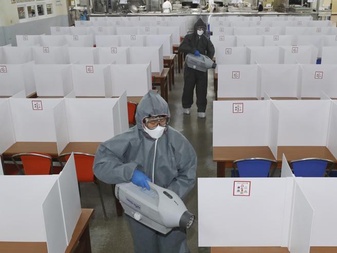 Coronavirus, i guariti che rimangono positivi non contagiano più