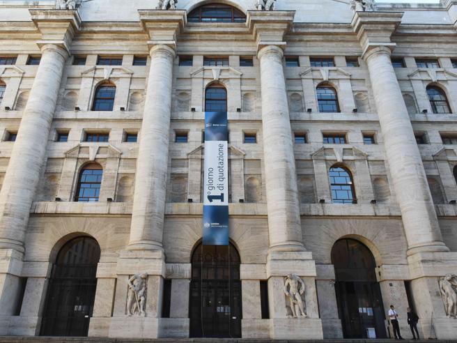 Borsa, chiusura di settimana in rialzo per Piazza Affari. Risale Juventus