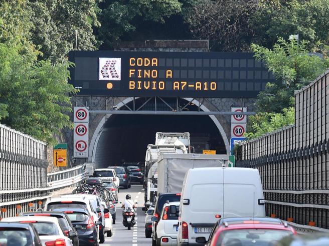 Ponte di Genova riassegnato a Autostrade: è polemica