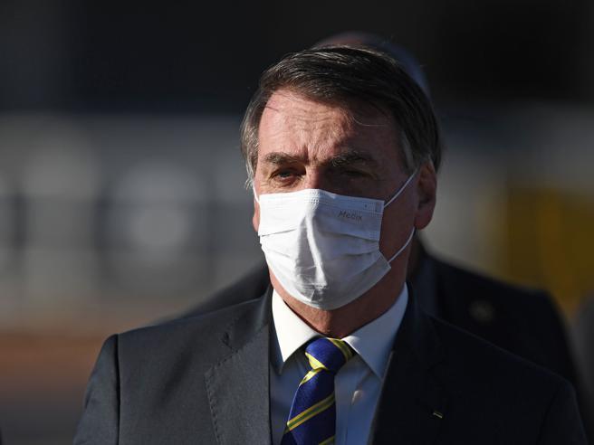 Bolsonaro ha sintomi compatibili con il coronavirus