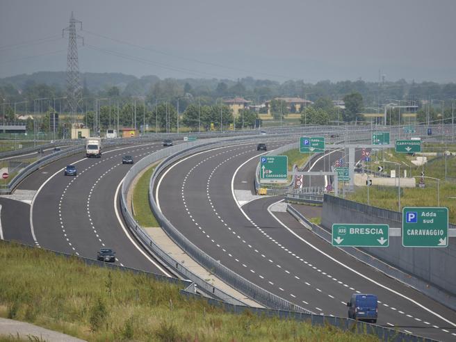 Autostrade: la replica dei Benetton a Conte, le reazioni della politica