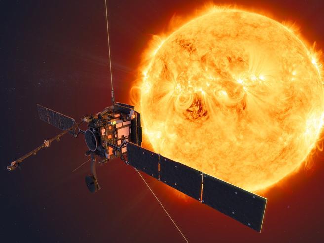 Da Solar Orbiter spettacolari immagini del Sole mai così vicine