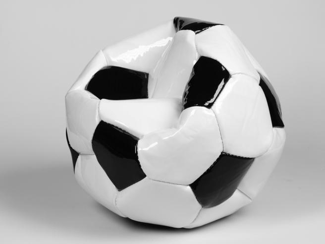 Covid, una partita di calcio contagiati contro sani