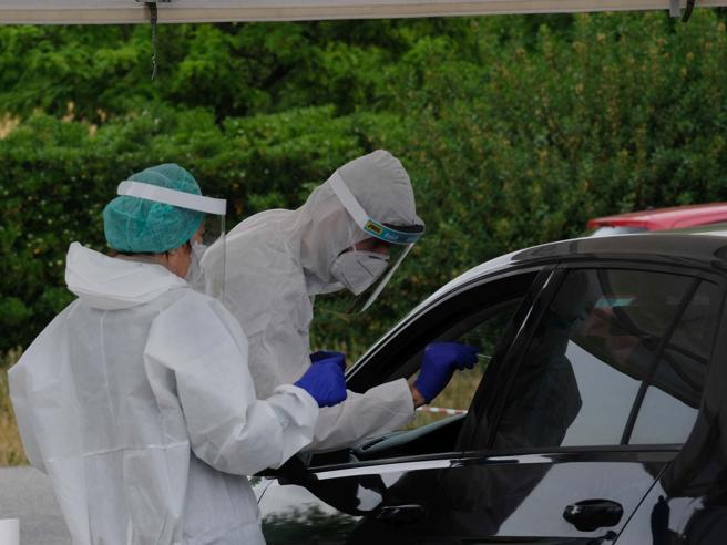 Coronavirus in Italia, timori per i contagi in aumento. I nuovi focolai sono 123, ma sono sotto controllo