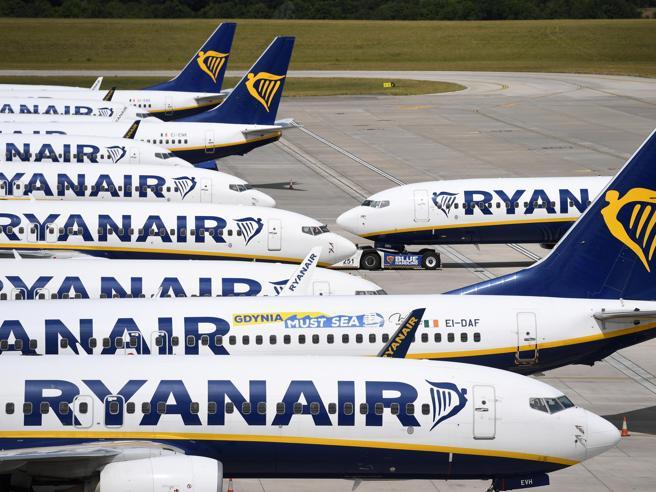 L'Enac dà l'ultimatum a RyanAir: rispetti le regole anti-Covid o stop voli