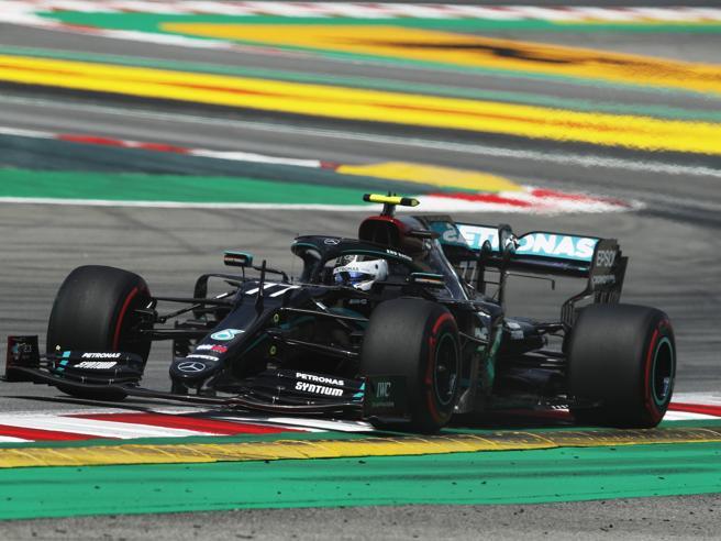 Hamilton, monologo su una Formula 1 sempre più a pezzi