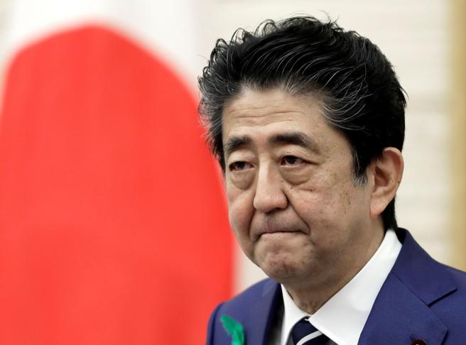 Finita l'era di Shinzo Abe