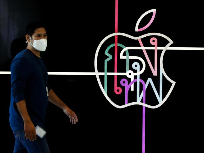 Tutti contro Apple: perch