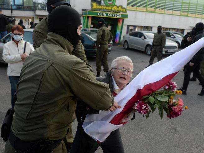 Cipro tiene in ostaggio l'Ue: niente sanzioni contro Lukashenko. Ecco perché