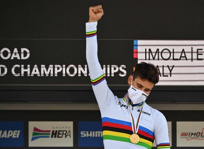 Impresa di Filippo Ganna: è campione del mondo a cronometro