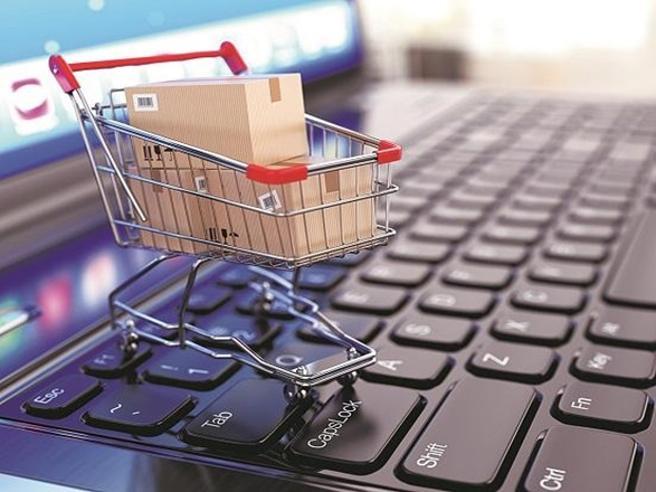 Vendite online, «recensioni false per 4,5 milioni di prodotti»