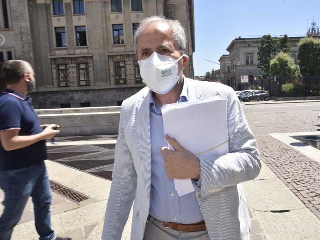 Coronavirus, Crisanti: «In Italia si è sbriciolato il sistema di controllo sul virus»