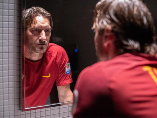 Mi chiamo Francesco Totti, il documentario arriva al cinema