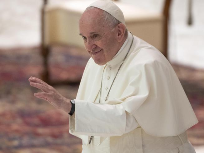 Papa Francesco, favorevole a unioni civili per coppie omosessuali