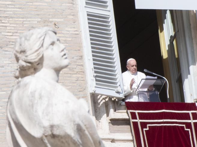 Papa: il 28 novembre Concistoro per 13 nuovi cardinali