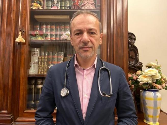 Mail notturne, tamponi, visite a domicilio: vita da medico di famiglia ai tempi del Covid