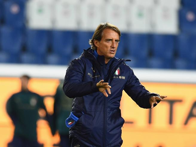 Roberto Mancini positivo al Covid, è in isolamento: le condizioni
