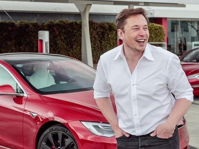 Musk verso sorpasso Zuckerberg, è terzo paperone mondo