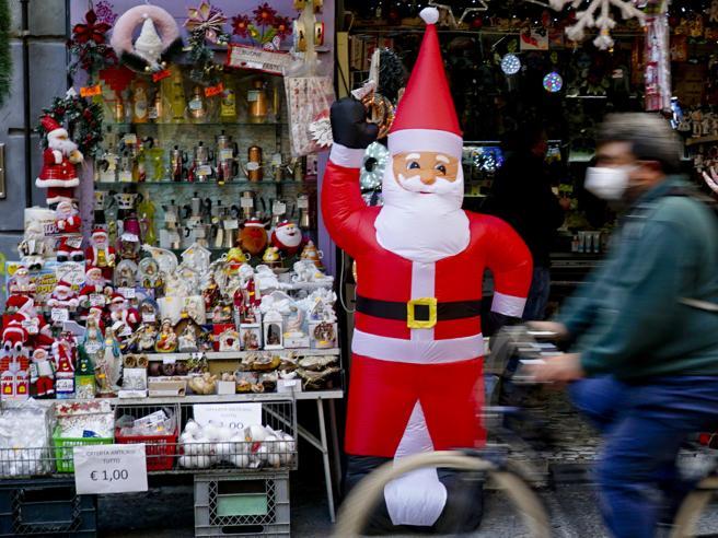 Nuovo Dpcm per il Natale, tutti i divieti: zone rosse, negozi, sport. Le  Regioni potranno cambiare